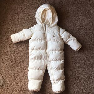 White snow suit 6 to 12 months!